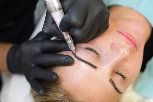 Microblading treatment of the eyebrows